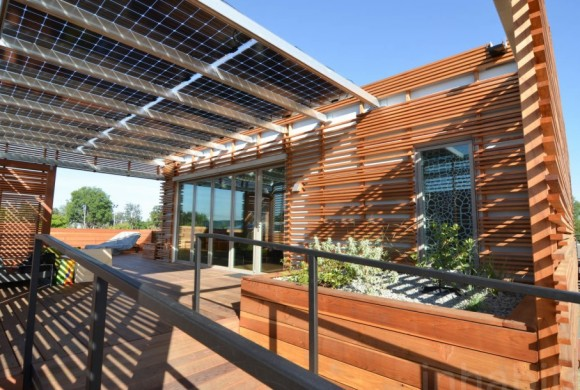 Who won the 2015's edition of the Solar Decathlon?
